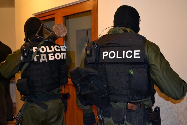 Арестуваха двама бандити, които са избягали след полицейска акция! Издирвани са за…