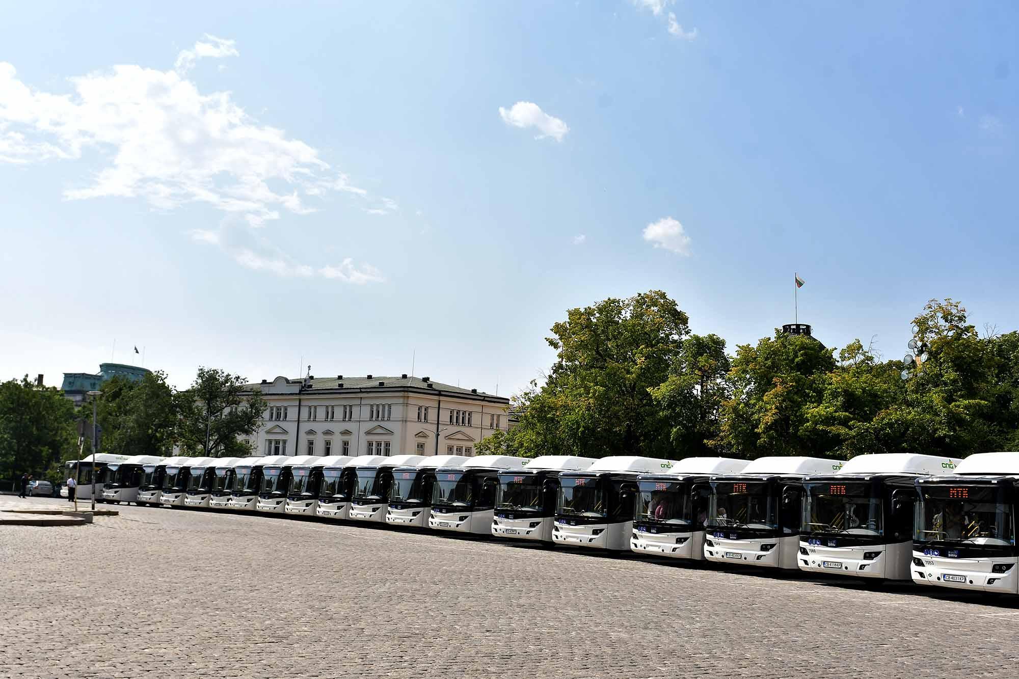 750 автобуса ще пристигнат в София за протеста на брашна