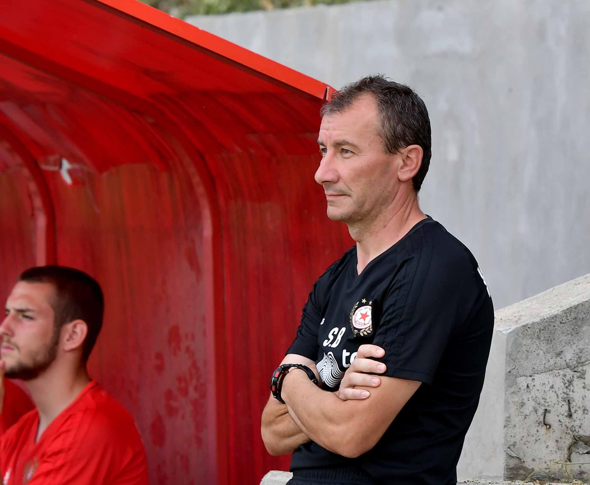 Треньорът на ЦСКА Стамен Белчев пусна отбора в дълга и
