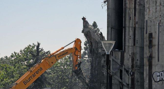 premahvat-betonnata-konstrukciq-na-pametnika-1300-godini-bylgariq-(snimki)-459014
