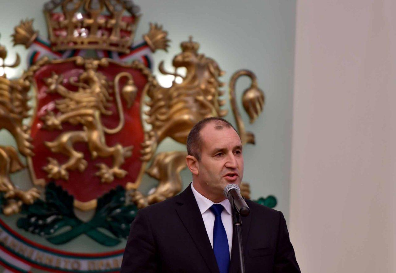 Румен Радев Президент (8)