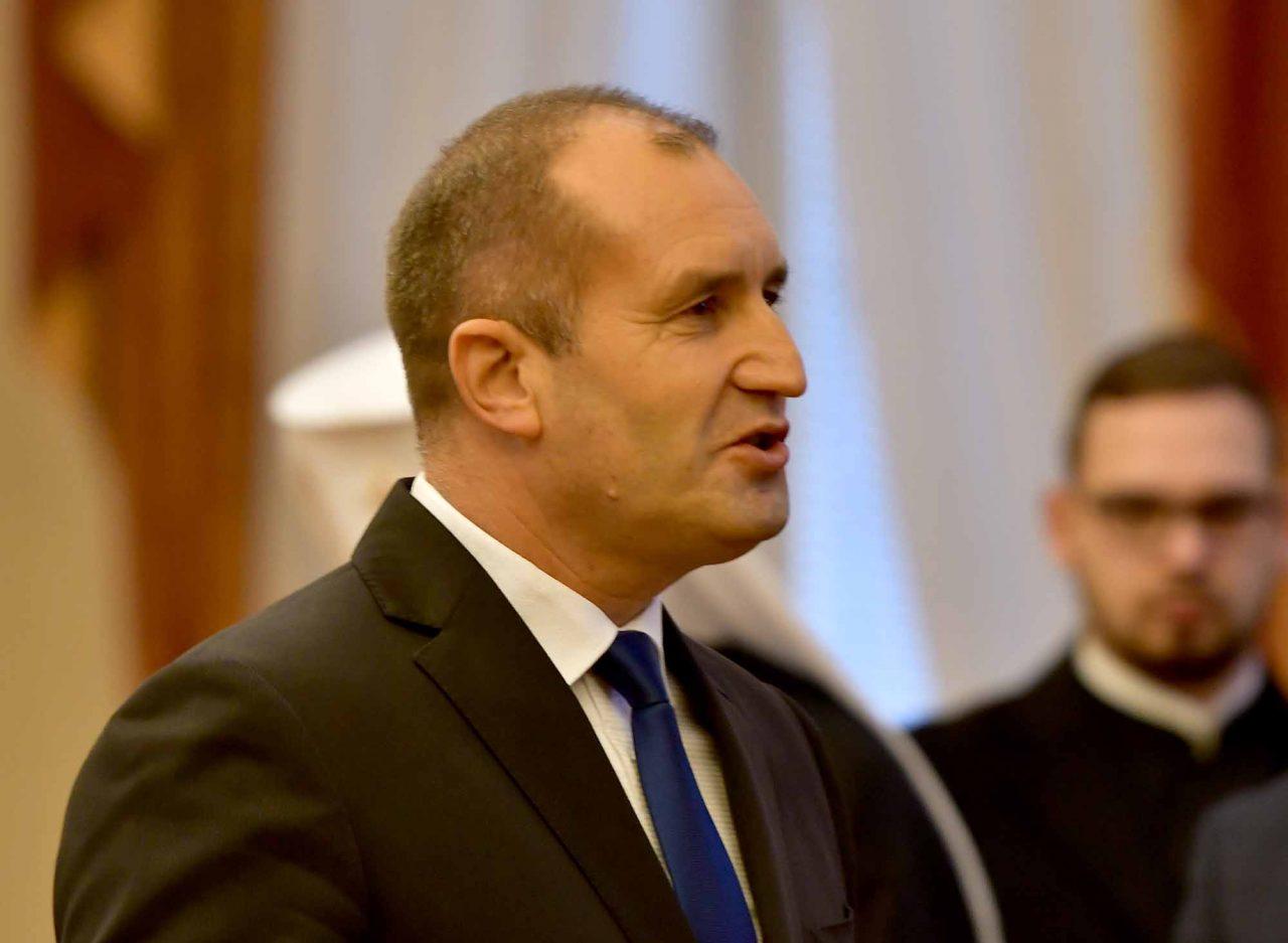 Румен Радев Президент (9)