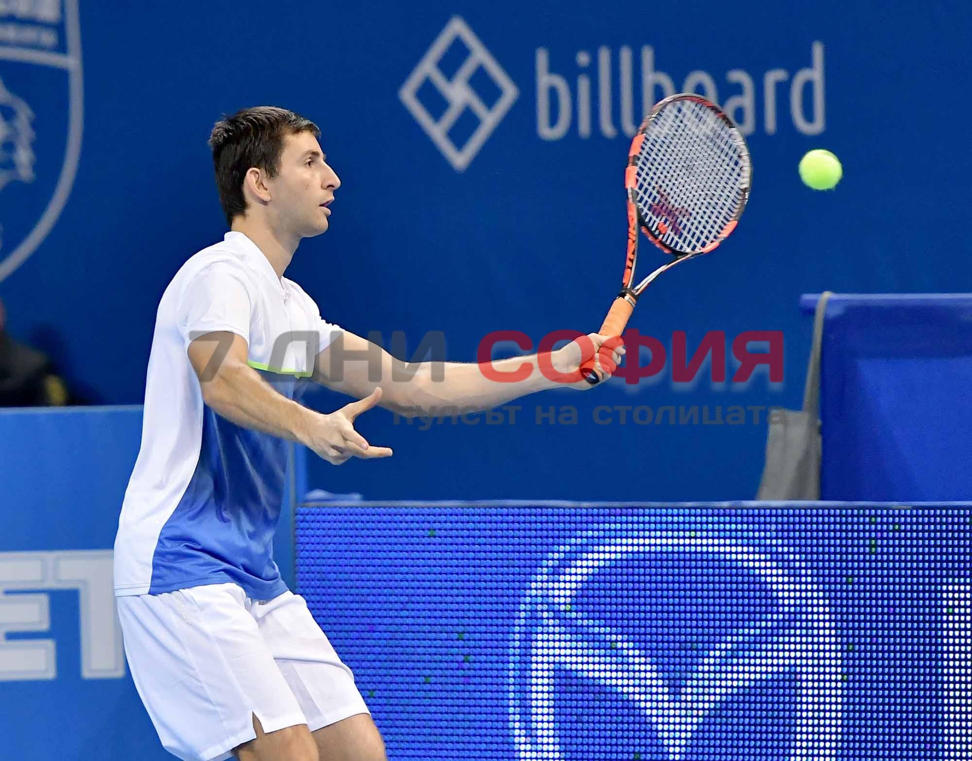 Александър Лазов отпадна на полуфиналите на турнира по тенис в