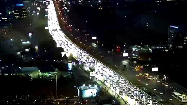 """Стотици автомобили попаднаха в огромно задръстване по """"Цариградско шосе"""" и"""