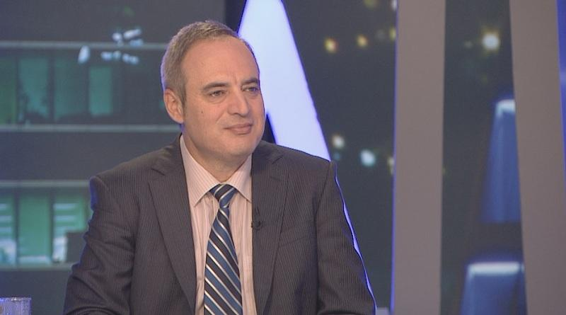 Ректорът на Софийския университет проф. Анастас Герджиков направи крачка назад