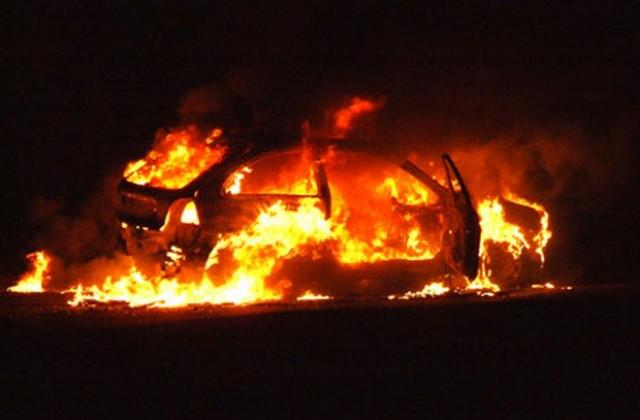 запален автомобил