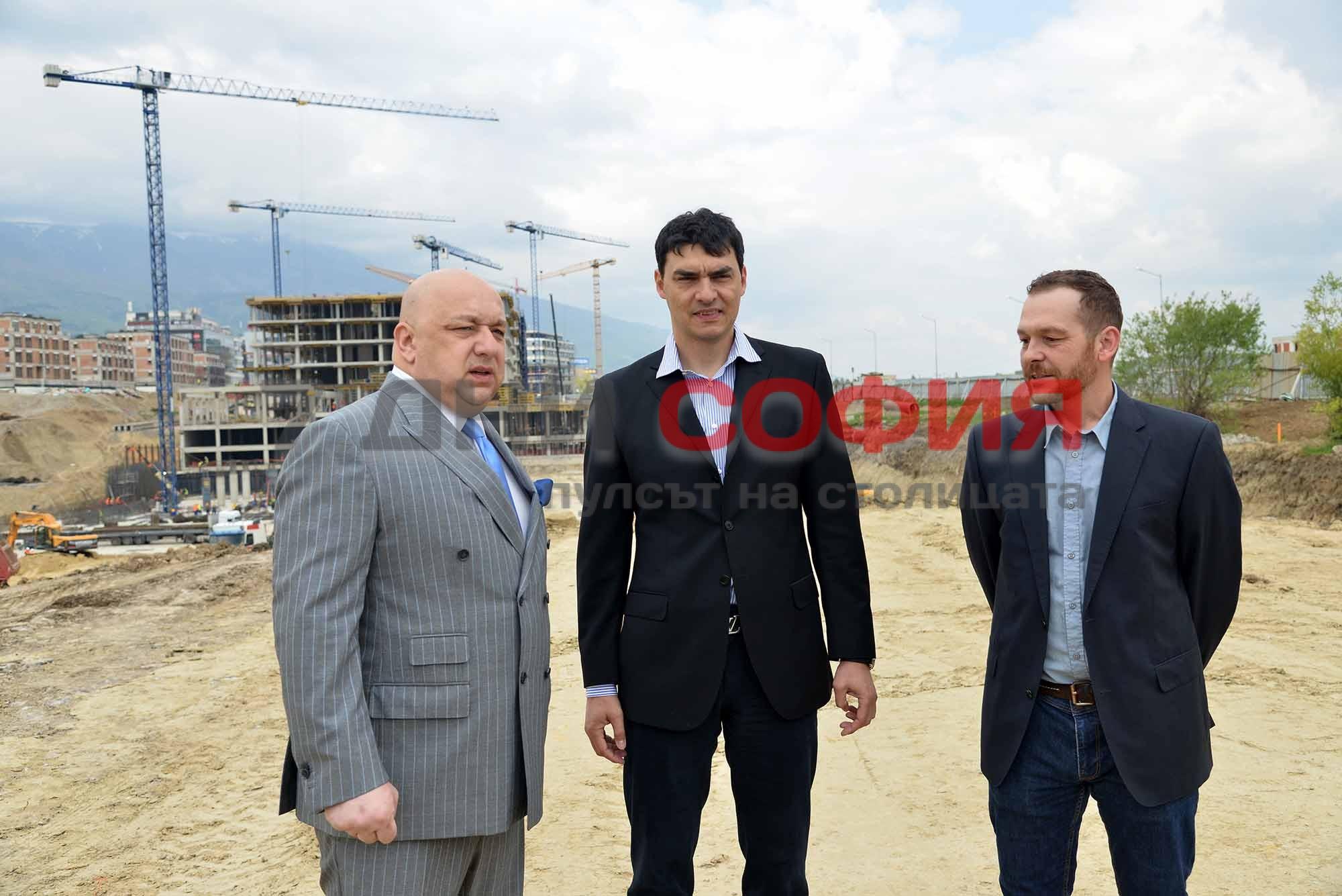 Министърът на младежта и спорта КрасенКралев посети строежа на новата