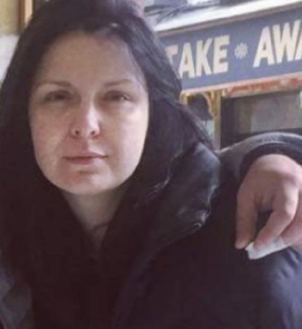 Какво се случва с красивото лице на Жени Калканджиева? Всеки