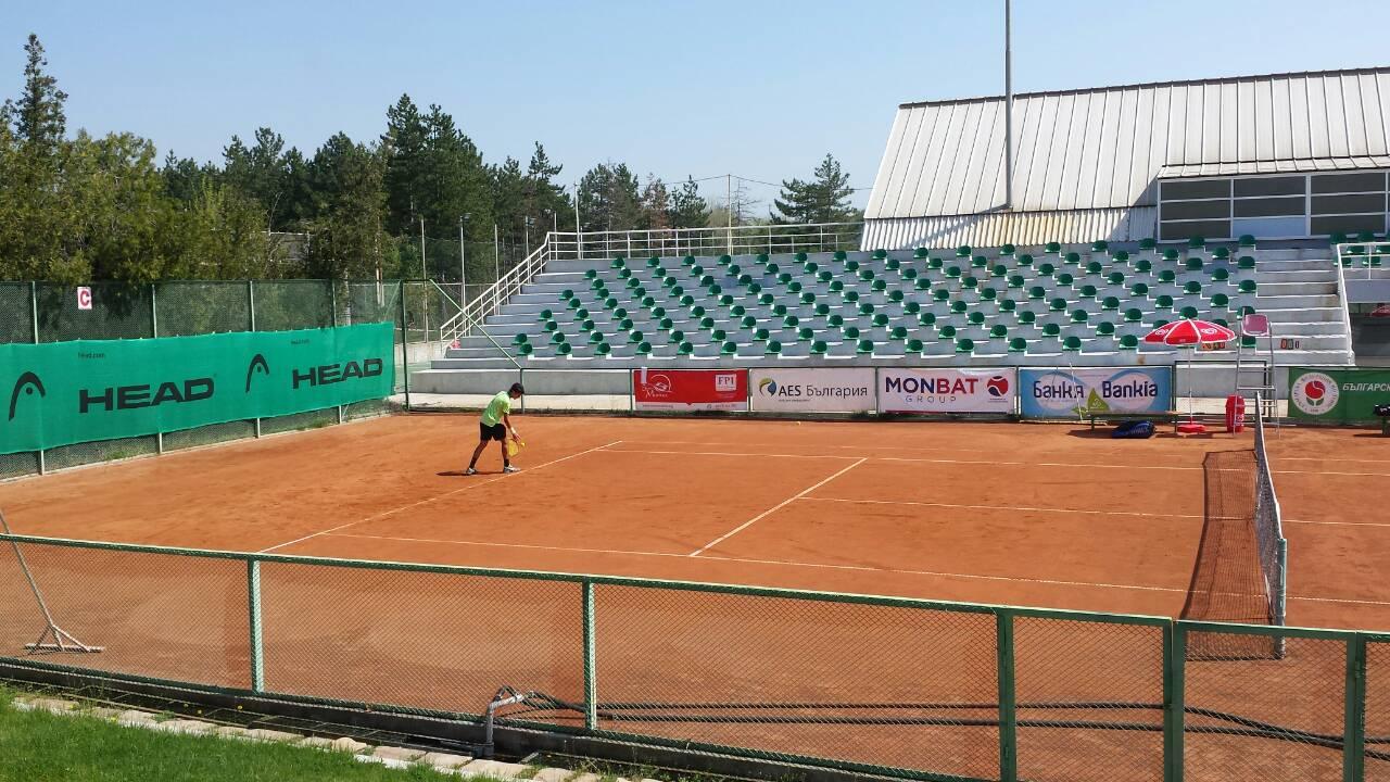 Симон-Антони Иванов и Гергана Топалова се класираха за полуфиналите и