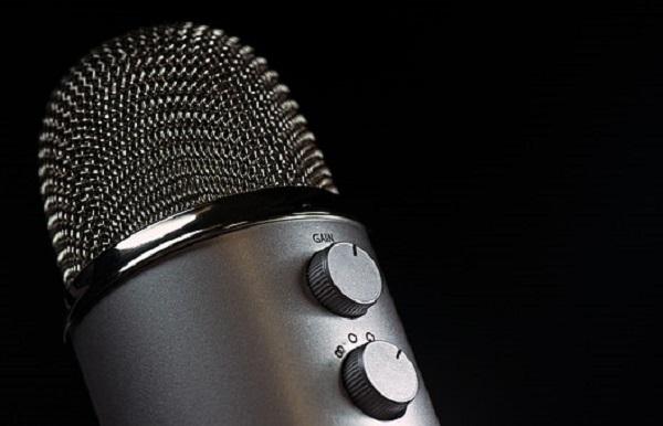 microphone-1172260__340.jpg