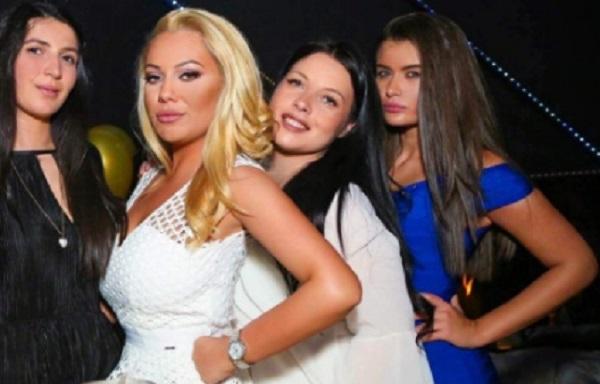 Дъщерята на бизнес дамата Ваня Червенкова – Никол, отпразнува рождения