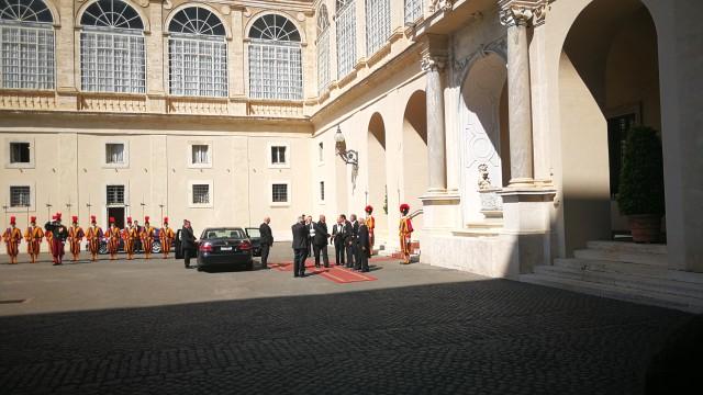 Започна аудиенцията на българския премиер Бойко Борисов при папа Франциск,