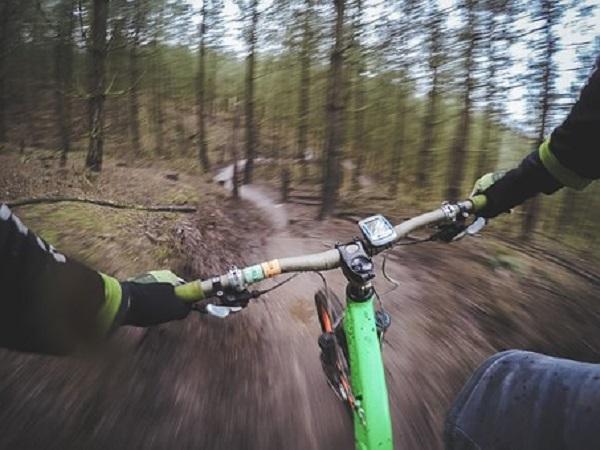 mountain-biking-1210066__340