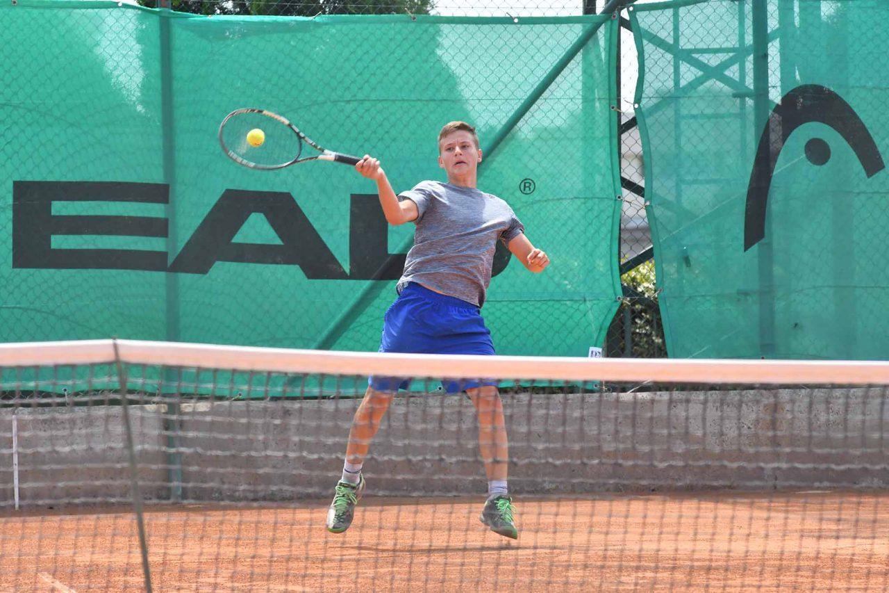 Държавно лично първенство на открито юноши и девойки до 16 год. ТК Спорт палас Сливен (15)