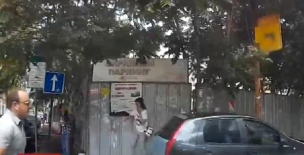 Опасна гонка в центъра на София. Буден гражданин успя да