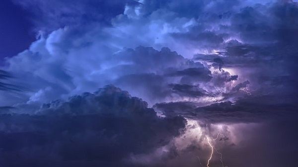 буря облаци