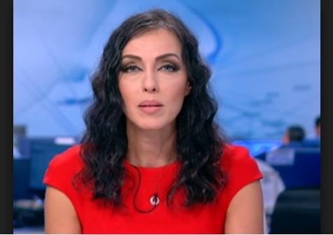 Снимка: Пълен обрат! Бременна ли е Виктория Петрова? Красивата водеща не се е разделила с Красен Кралев…