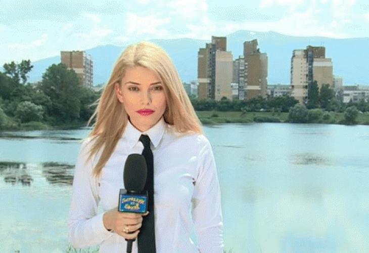 """Снимка: Красивата репортерка на """"Господари на ефира"""" направи """"показно"""" на Валя Ахчиева от БНТ!"""