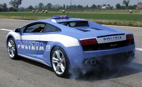 Снимка: Извънредно! Конфискуваха български автомобили за 3 млн. евро на опасни ромски мафиоти в Италия!