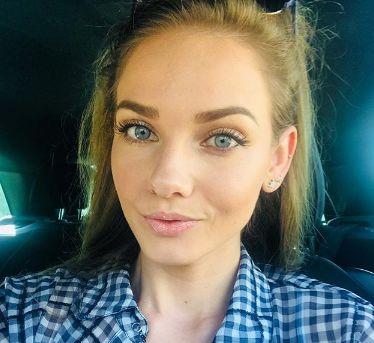 """Една от най-красивите носителки на титлата""""Мис България"""" Нанси Карабойчевае станала"""