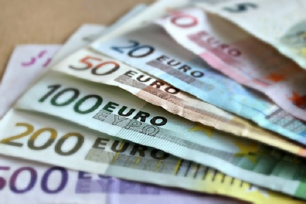 bank-note-209104__340.jpg