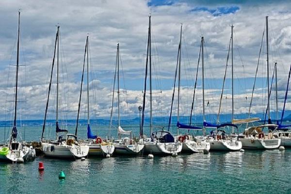 yachts-3362264__340.jpg