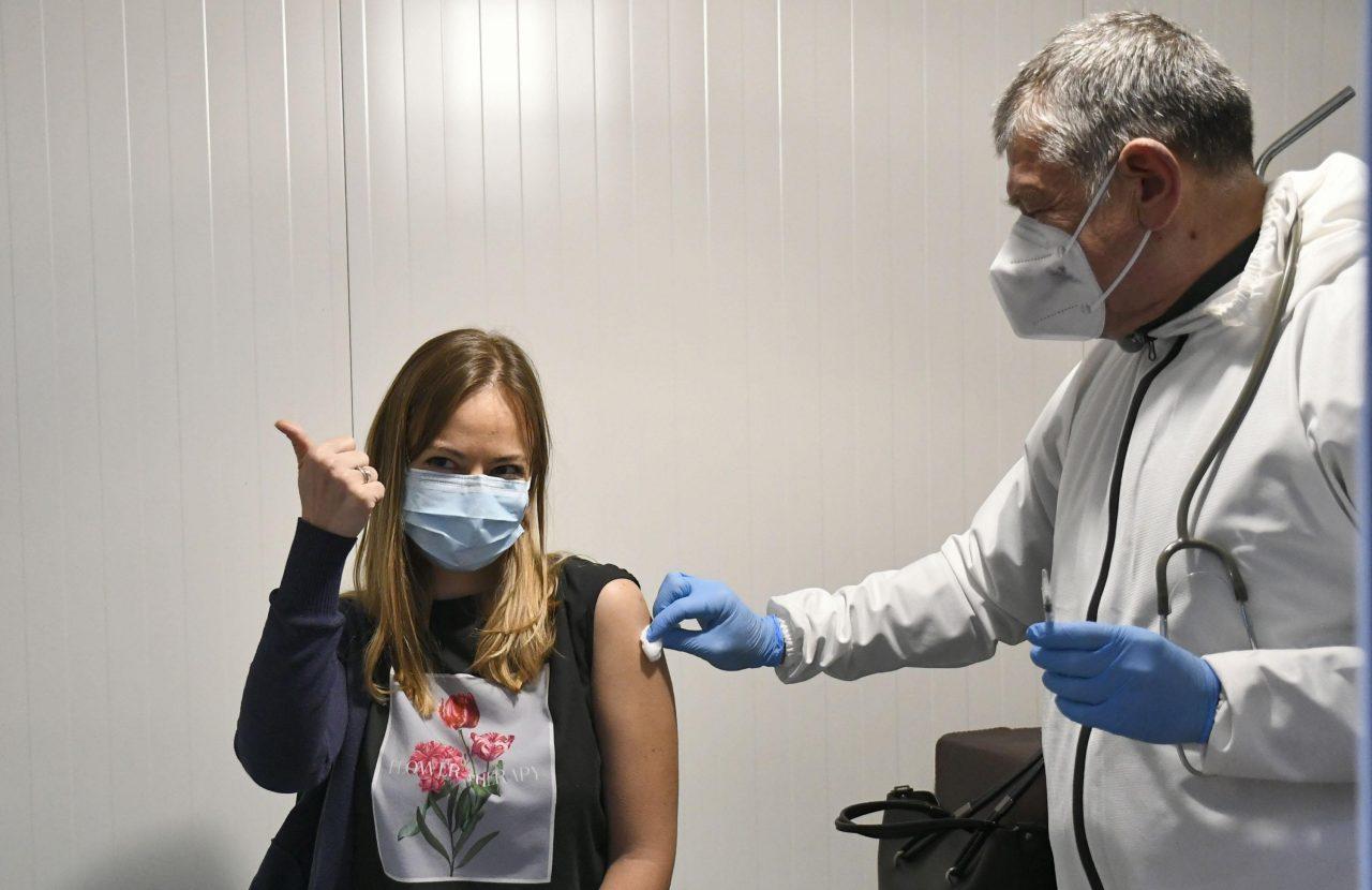ваксина, коронавирус
